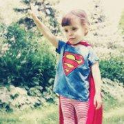 超人扣扣头像图片:初吻给了小奶瓶丿 你用尽我的爱